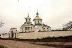 «Мы усилили меры безопасности, но храм открыт» — священник из села Новоселицкое