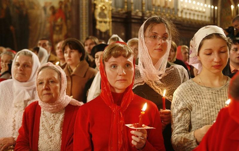 Священник Андрей Постернак: Женщина в Церкви уже давно не стоит в углу