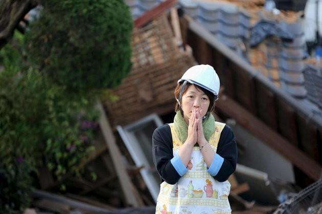 В Японии ищут выживших после землетрясения (+фото)