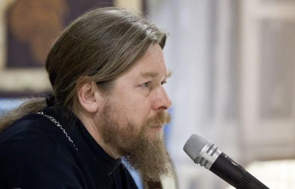 """Епископ Тихон (Шевкунов): О встрече с Богом, """"проблемах"""" христианства, политике и литературе"""