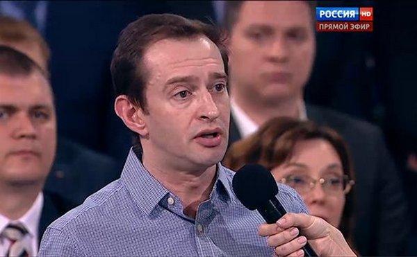Константин Хабенский попросил Владимира Путина разрешить допуск родственников в реанимации и обеспечить детей ИВЛ