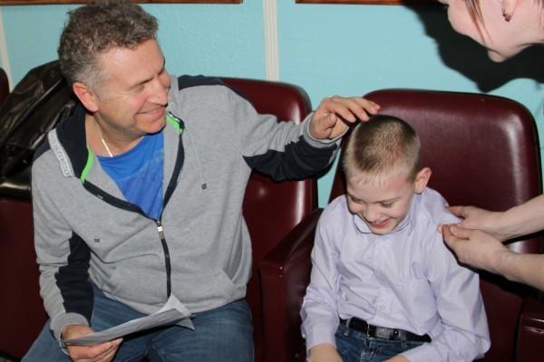 Леонид Агутин исполнил мечту больного ДЦП мальчика из Кирова