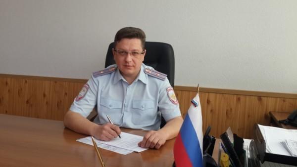 Замначальника отдела ГИБДД Екатеринбурга спас из огня женщину и инвалида