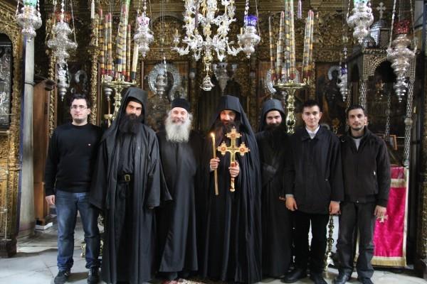 Отец Евангелос с сыновьями – насельниками Дохиара