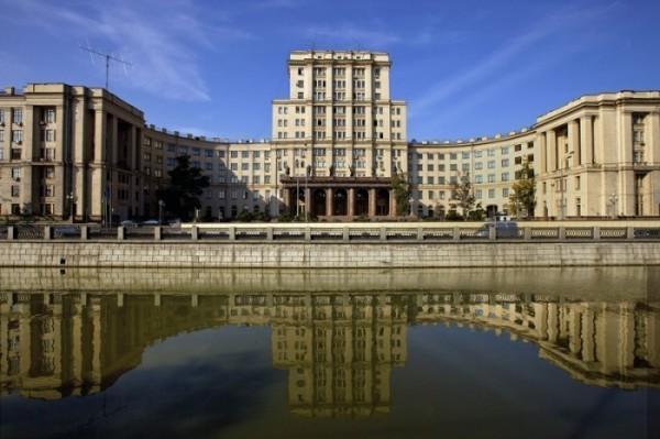 Правительство укрупнило еще три ведущих вуза Москвы