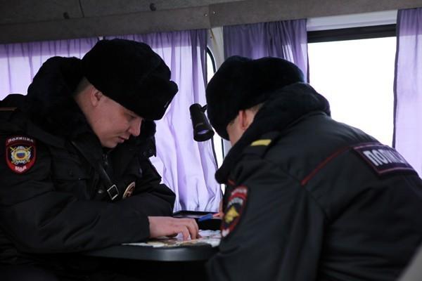В подпольном молельном доме в Самаре нашли взрывчатку, задержаны 50 мужчин
