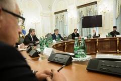 Порошенко выступил за создание «независимой» православной церкви на Украине