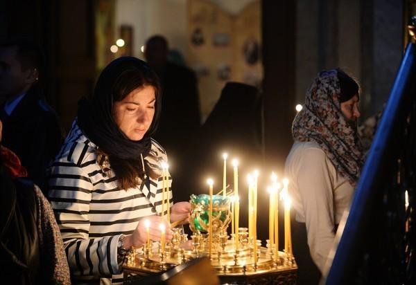 ВЦИОМ: Больше половины россиян полагаются на Божью помощь в повседневной жизни