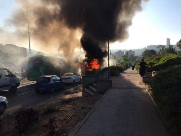 От 10 до 20 человек пострадали при взрыве автобуса в Иерусалиме