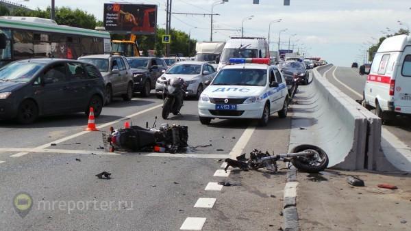 Молодые в России гибнут в ДТП, от алкоголя и насилия