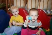 Таксисты Новосибирска начали принимать одежду для детей