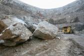 150 человек заблокированы в руднике в Красноярском крае
