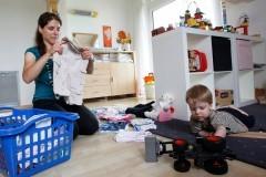 Исследование: детские пособия в России платят не тем, кто в них нуждается