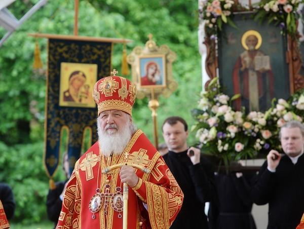 Патриарх Кирилл: Из-за денег и власти сильные, процветающие страны исторгают веру из своей жизни
