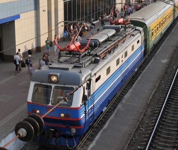 Суд обязал РЖД до совершеннолетия платить ребенку погибшей под поездом глухой женщины