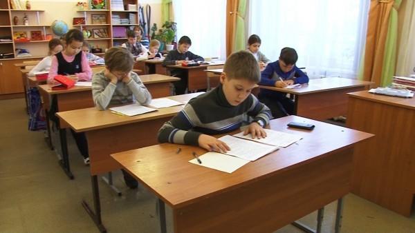 Всероссийские проверочные работы в мае выполнят 1,2 млн школьников