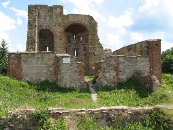 Храм XIV века в Великом Новгороде накроют стеклянной крышей