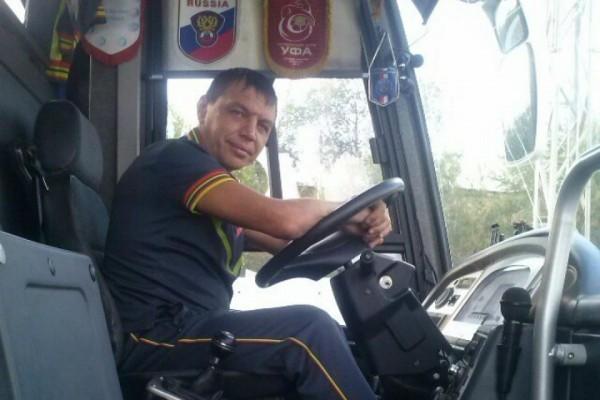 Сотрудники футбольного клуба «Уфа» спасли сбитую автомобилем девушку