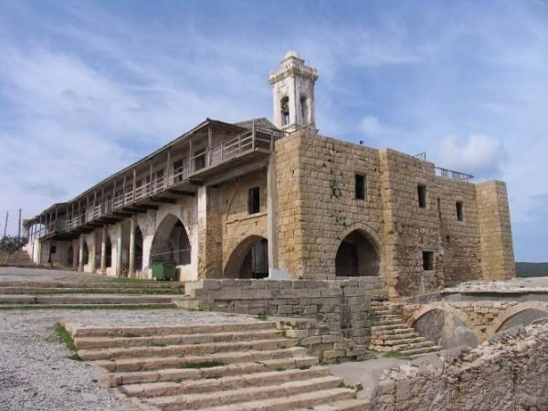 Православным северного Кипра разрешили проводить богослужения только раз в год