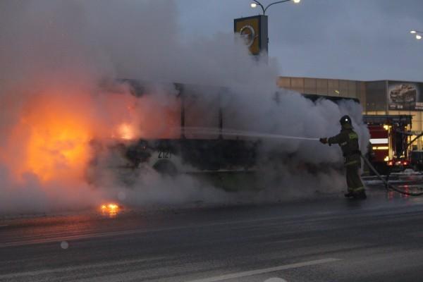 В Албании загорелся автобус православной экскурсионной группы, есть жертвы