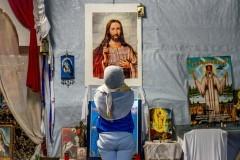 Беженцы в Европе стали чаще переходить в христианство
