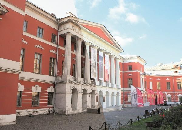 Музей современной истории России до и после реставрации