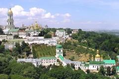СМИ: В Раду внесен закон о передаче Киево-Печерской и Почаевской лавр государству