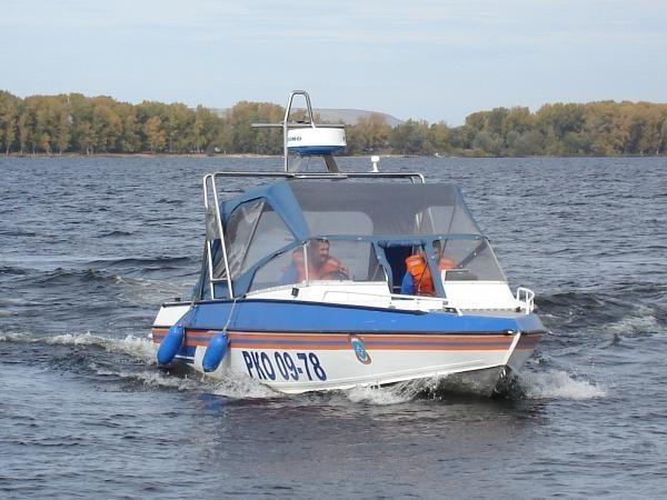 В Якутии водолазы нашли тела главы села и его жены