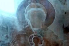 Образ Богородицы проявился на стекле иконы в храме Хабаровска