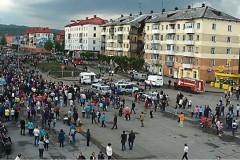 Священники помогают пострадавшим при обрушении жилого дома в Междуреченске
