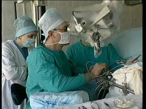 На Урале врачи спасли 4-летнего ребенка с перерезанным горлом