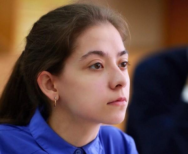 В Чувашии выпускница набрала 300 баллов по трем ЕГЭ