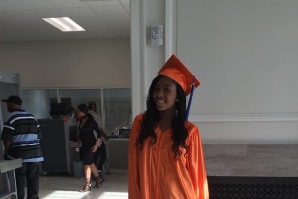 Бездомная девочка из Вашингтона c отличием окончила школу на два года раньше сверстников