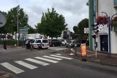 Захватчики церкви во Франции убили священника