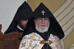 Армянская церковь призвала к единству после захвата заложников в Ереване