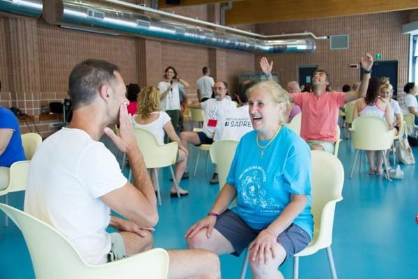 Кьяра на психологическом тренинге с родителями. Фото Ariel Palmer