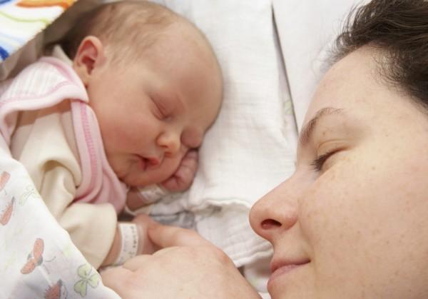 ООН поддержала публикацию селфи кормящих грудью матерей