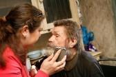 Пользователи соцсетей спасли иркутского инвалида, жившего без света и тепла