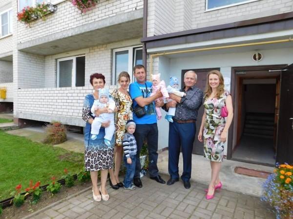 Супруга губернатора Калининградской области подарила многодетной семье свою квартиру