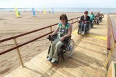 В Петербурге открылся пляж для инвалидов