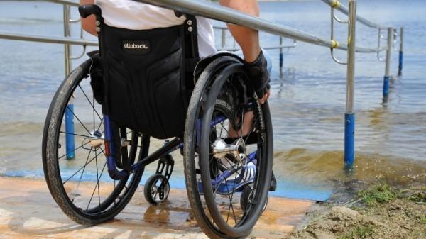 В Воронеже на пляж для инвалидов пустили специальный автобус