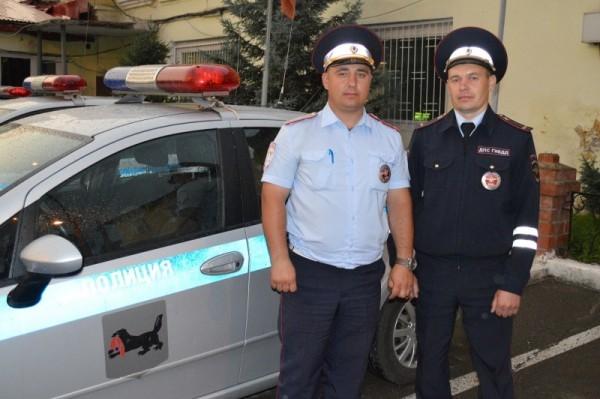 В Иркутске инспекторы ДПС с мигалками довезли роженицу до больницы