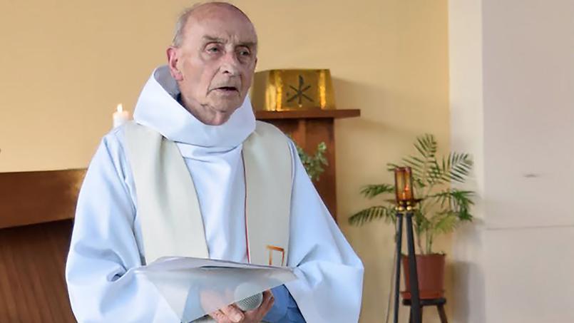 священник Жак Амели