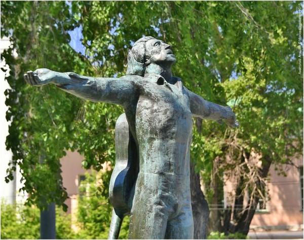 Памятник Владимиру Высоцкому на Страстном бульваре, у площади Петровские ворота. Фото: moscowchanges.ru