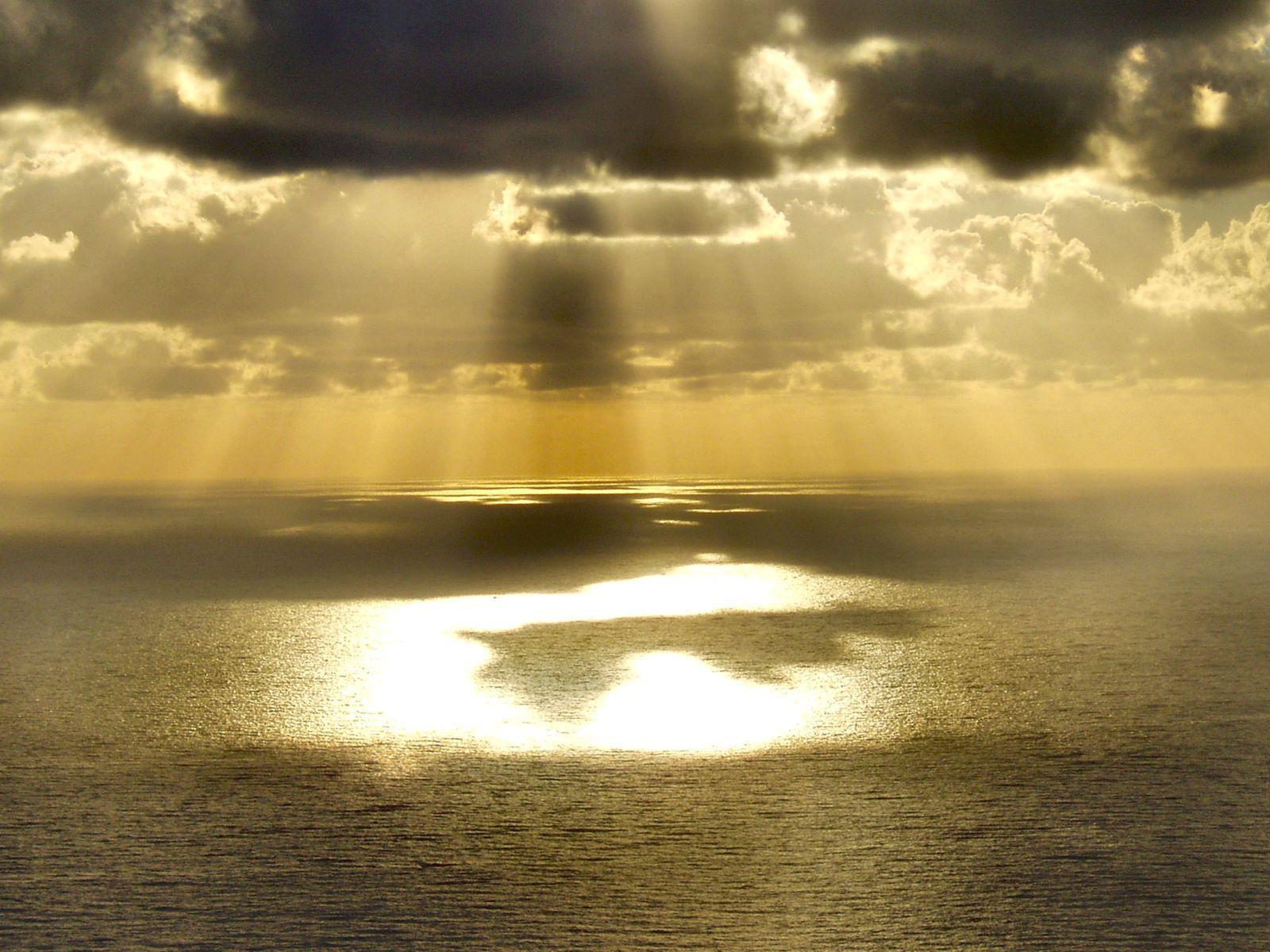 днем да будет свет и мир картинка большим