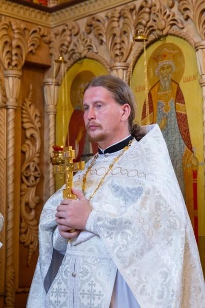 Священник Андрей Мизюк. Фото Ивана Привалова /eparhia-saratov.ru