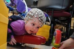 «Роботизированная распашонка» помогает детям из группы риска по ДЦП