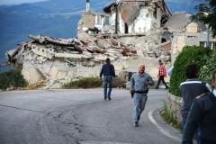 Не менее 14 человек погибли при землетрясении в Италии