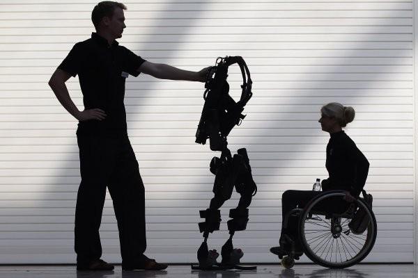 Парализованные люди смогут встать на ноги при помощи мысли