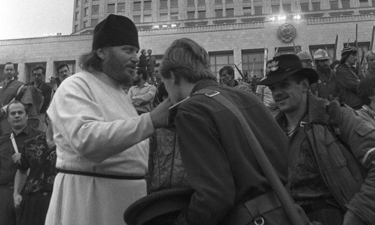 25 лет назад: путч в день Преображения (фотохроника)